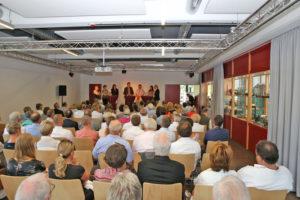 Talkrunde im neuen Saal (Foto: Axel Ollenschläger)